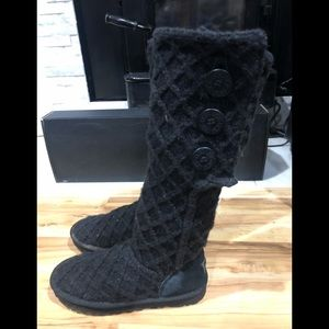 Ugg tall knitted boots size7 good condition